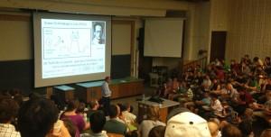 Conferencia de David Wineland en la Universidad de Colorado (4 de septiembre de 2013), acerca del premio Nobel que obtuvo el año pasado.