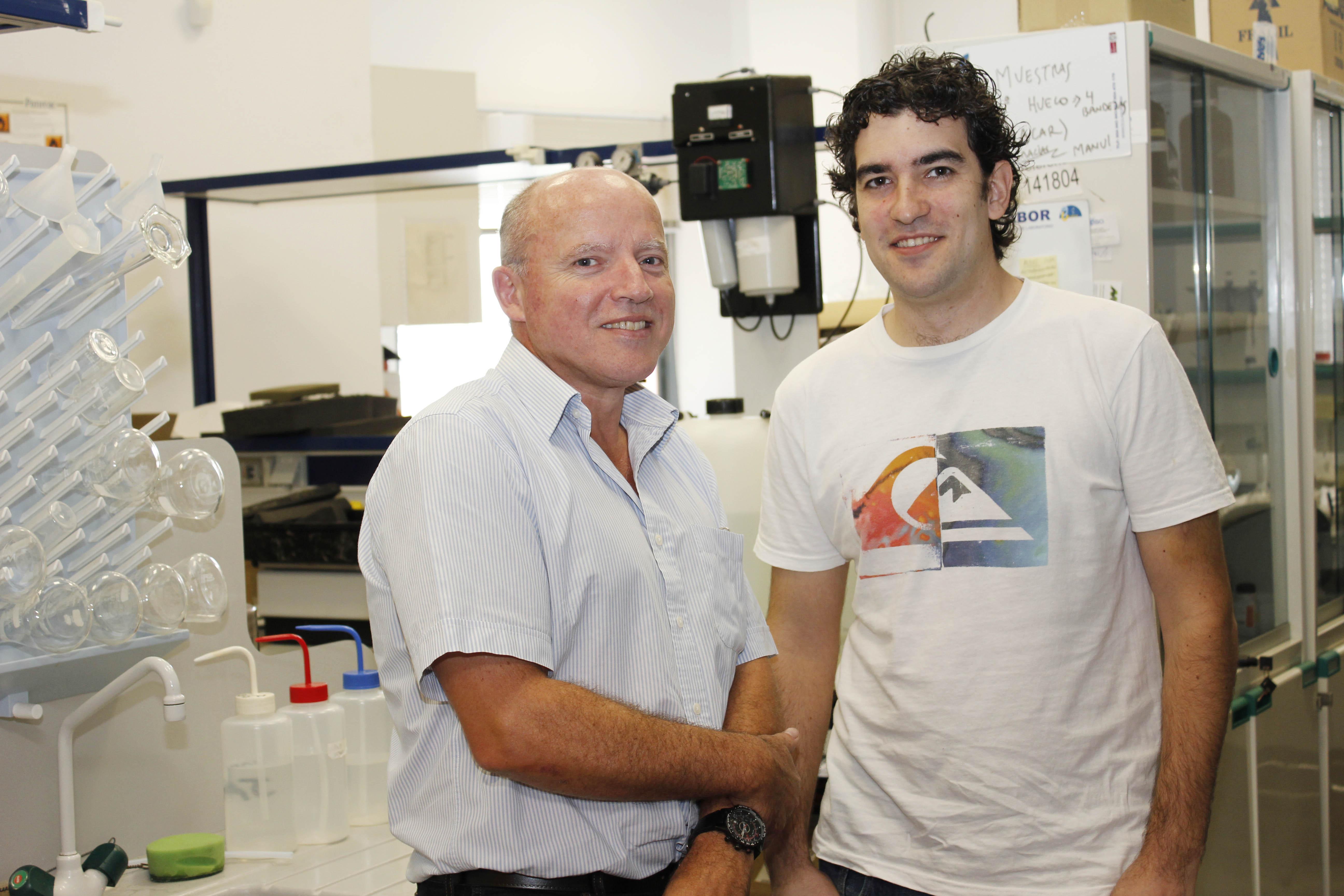 Antonio Gallardo (izq.) y Manuel Delgado, investigadores de la UPO. Foto: UPO.